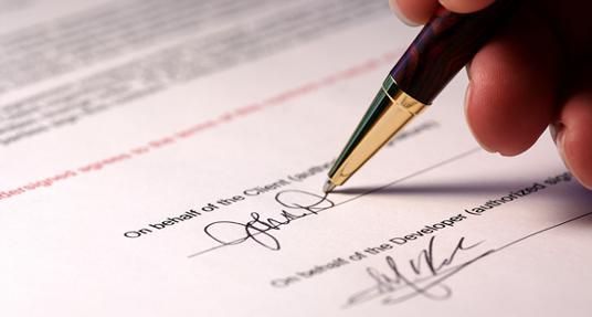 Hỏi: Hợp đồng cho thuê đất có cần công chứng, chứng thực???